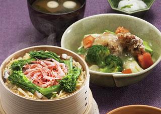 110516  ブログ10 駿河湾産桜えびのせいろご飯と 鶏と野菜のみぞれあんかけ定食1