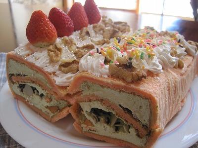 【瑠沙の芸術ケーキ】 『イチゴ抹茶シフォン新年ロールケーキ』