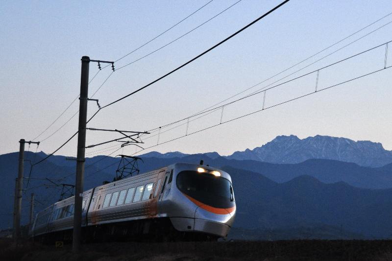 夕景 鉄道写真 石鎚山