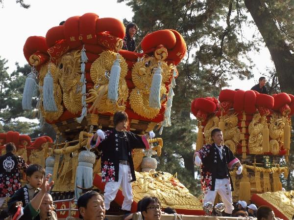 さぬき豊浜ちょうさ祭り 豊浜八幡神社宮参り 城の端太鼓台