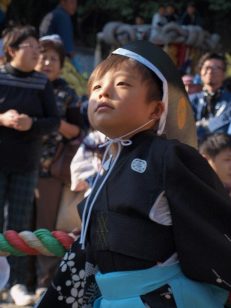 香川県観音寺市の琴弾八幡宮の秋季大祭  お稚児さん行列