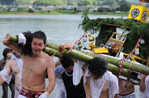 高松市香川町浅野 新池神社祭礼 ひょうげ祭り