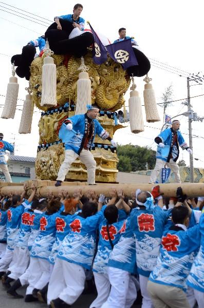 平成25年新居浜太鼓祭り 多喜浜駅前 町太鼓台