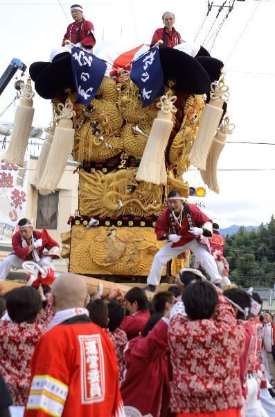 平成25年新居浜太鼓祭り 多喜浜駅前 松乃木太鼓台