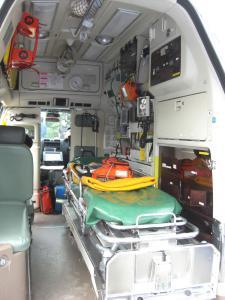 2502救急車