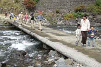 「玖木の一日橋めぐり」つつじ祭り2009090317c
