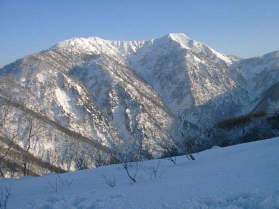 16ゲレンデ最上部より経ヶ岳