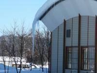 やまなみに巨大な氷柱