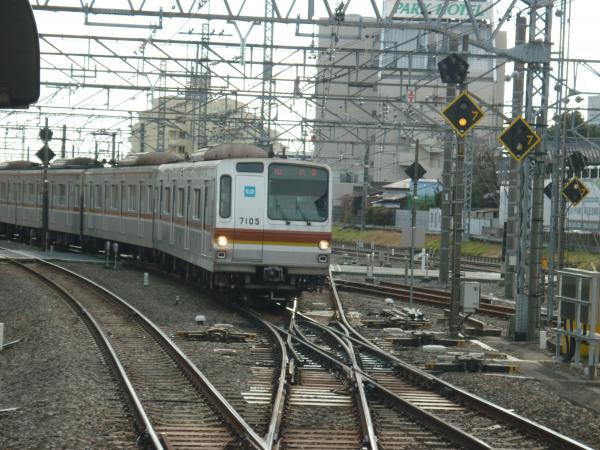 メトロ7105F 快速渋谷行き1 2013-01-26