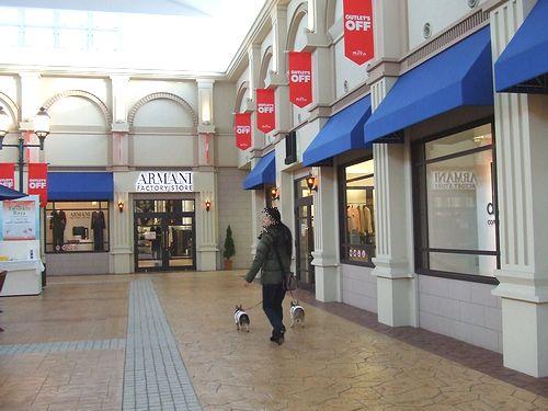 100118-shopping3.jpg