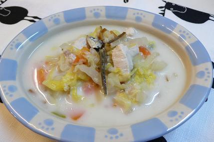 鶏胸肉と白菜のミルクシチュー