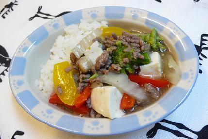 ひき肉と豆腐の中華丼風