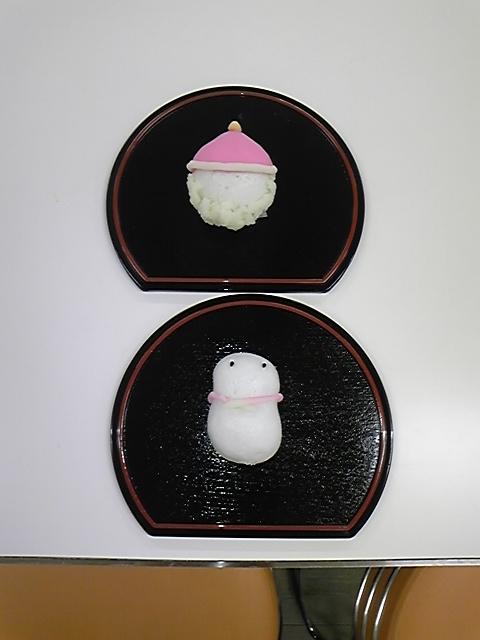 12日8日 上用饅頭サンタとスノーマン