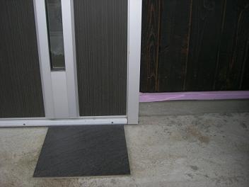 玄関タイル 外側