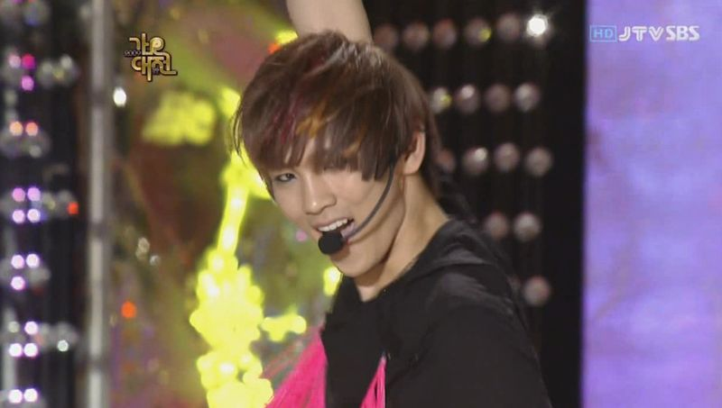 SHINee  SJ -20091229 -Gee on S Gayo [astar].avi_000091391