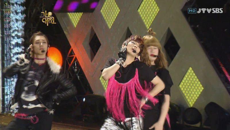 SHINee  SJ -20091229 -Gee on S Gayo [astar].avi_000078578