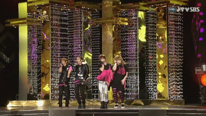 SHINee  SJ -20091229 -Gee on S Gayo [astar].avi_000084684