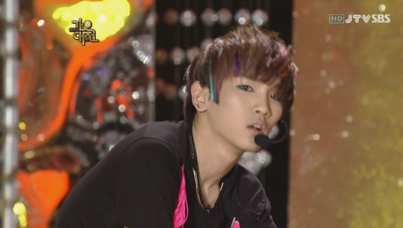 SHINee  SJ -20091229 -Gee on S Gayo [astar].avi_000094594