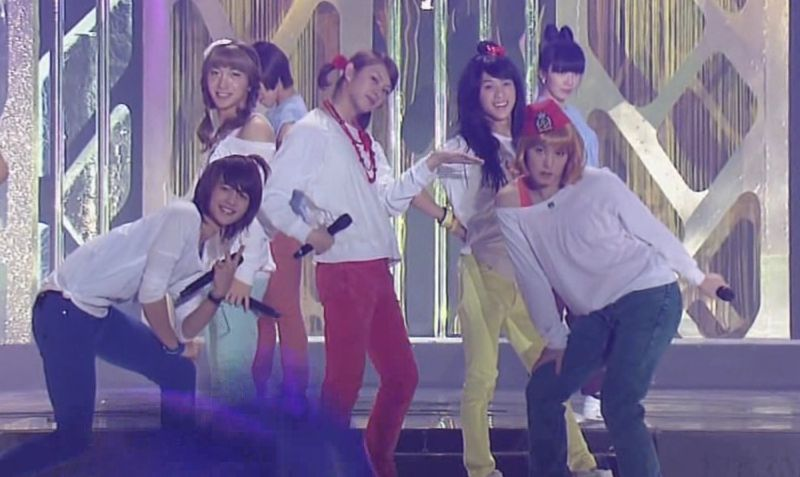 SHINee  SJ -20091229 -Gee on S Gayo [astar].avi_000203770
