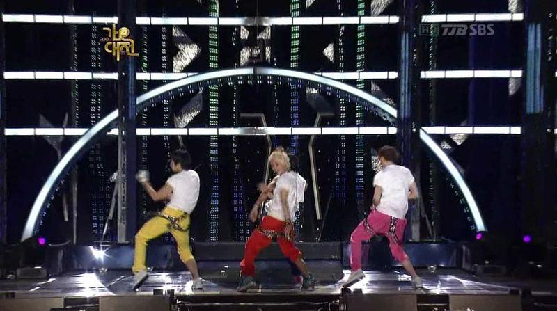 2PM, 2AM, BEAST, SJ, SHINee, MBLAQ - 20091229 - SIGN, Muzik, Mr, Gee, BPBP on S OYAG.avi_000194561
