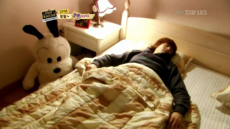 2PM - 20091229 - YB Parody on S OYAG.avi_000356689