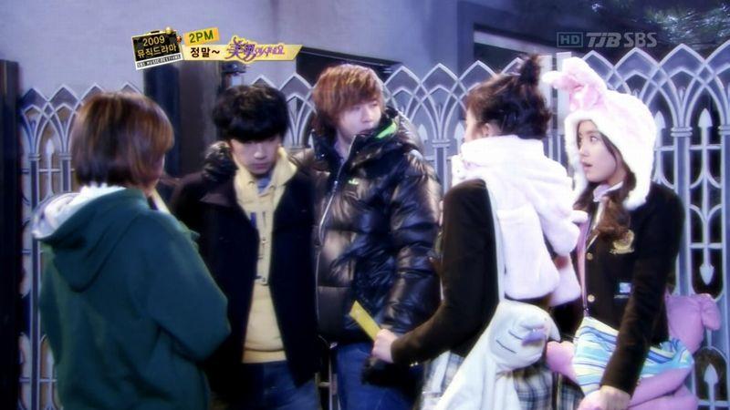 2PM - 20091229 - YB Parody on S OYAG.avi_000457824