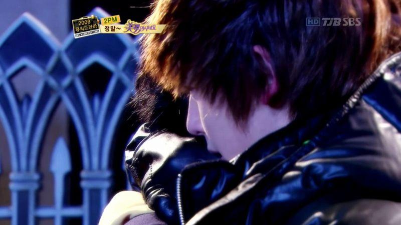 2PM - 20091229 - YB Parody on S OYAG.avi_000454821
