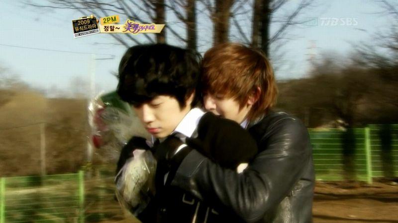 2PM - 20091229 - YB Parody on S OYAG.avi_000542475