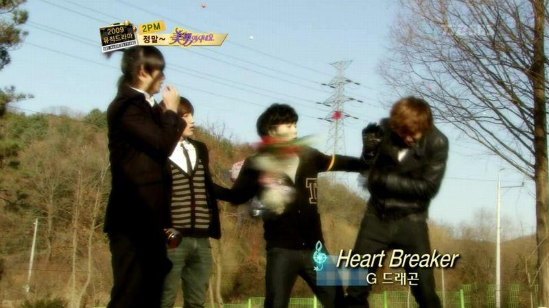 2PM - 20091229 - YB Parody on S OYAG.avi_000557223
