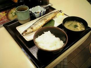 松乃家で秋刀魚焼き定食002