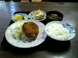山田ホームレストラン本日の定食Bコロッケ003
