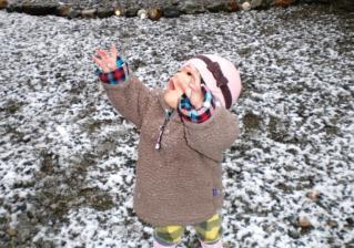雪にわぁー