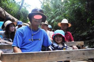 人力ボートでジャングル体験