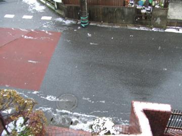 19-6495 20120229雪降ってる幅350