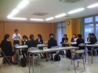H22_10_2 内定者研修?(ブログ)