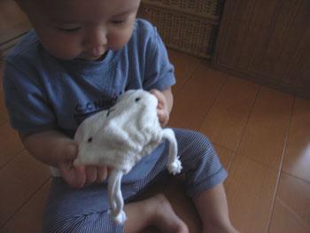 20110614ひつじ巾着とharu1