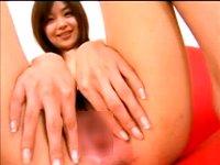 【無修正】M字開脚でマンコの中まで見せてくれる細身の美人女優あいみ(中谷あいみ)ちゃん!