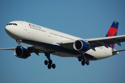 Delta_A330.jpg