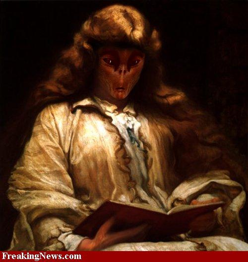 Alien-reading--40246.jpg