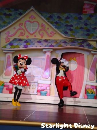 100203-mickeyminnie3.jpg