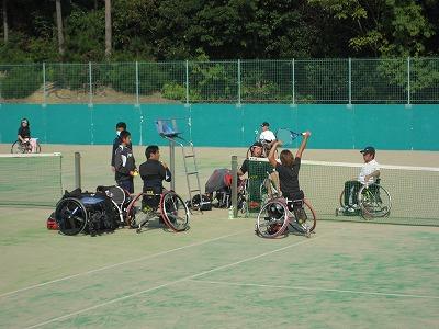 車椅子テニスプレーヤー