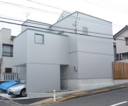 町田の閉じた家