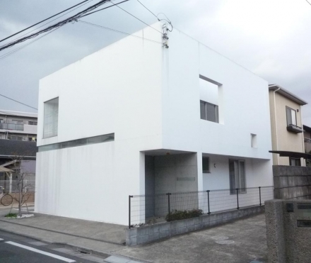 仙川の閉じた家②
