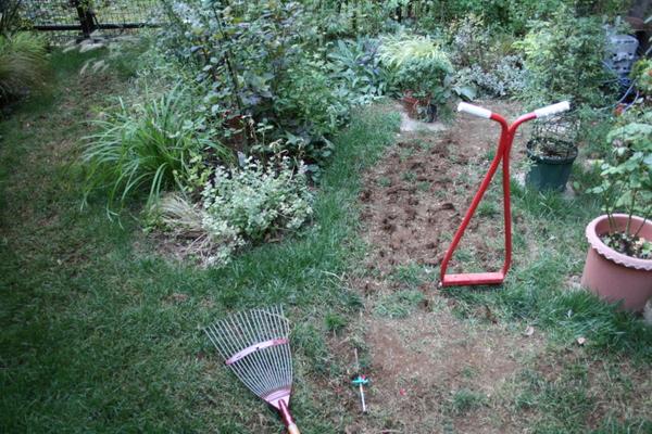 芝の種蒔き準備