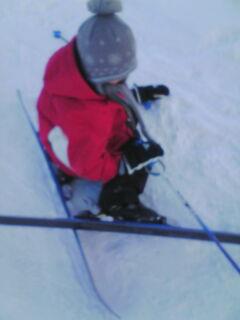 スキーで転ぶ翔