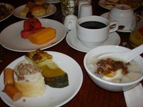 ホテルの朝食~今朝はかぼちゃプリン