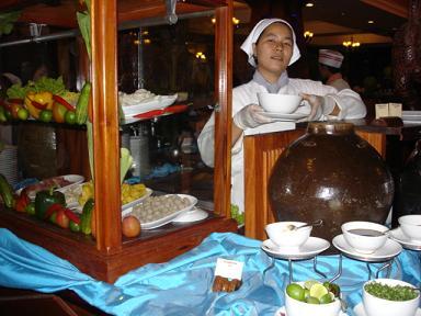 ホテル・朝食ビュッフェの麺コーナー