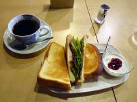 カマンベールチーズと生ハムのホットサンドセット