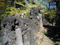 千駄ヶ谷の富士塚の溶岩