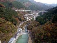滝沢ダムとループ橋